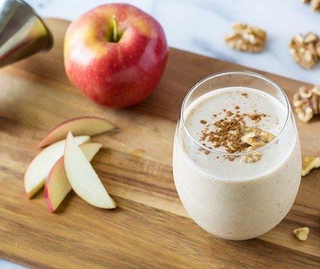 Recept Appel Milkshake met Kaneel. In appels heb je enorm veel verschil van smaak.En dat proef je natuurlijk terug. Kies dus je favoriete appel!
