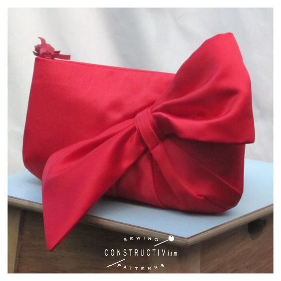 Hey, I found this really awesome Etsy listing at https://www.etsy.com/listing/82864806/sewing-pattern-bow-clutch-purse-digital