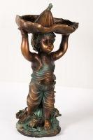 """Statueta Colecția """"I Love Home - Mici Obiecte Decorative"""" îți aduce câteva obiecte decorative, vaze, tăvi, statuete, rame etc, perfecte pentru un interior elegant și plin de personalitate! Vezi campania aici! #campaniisharihome http://sharihome.ro/campanie/i-love-home-mici-obiecte-decorative"""