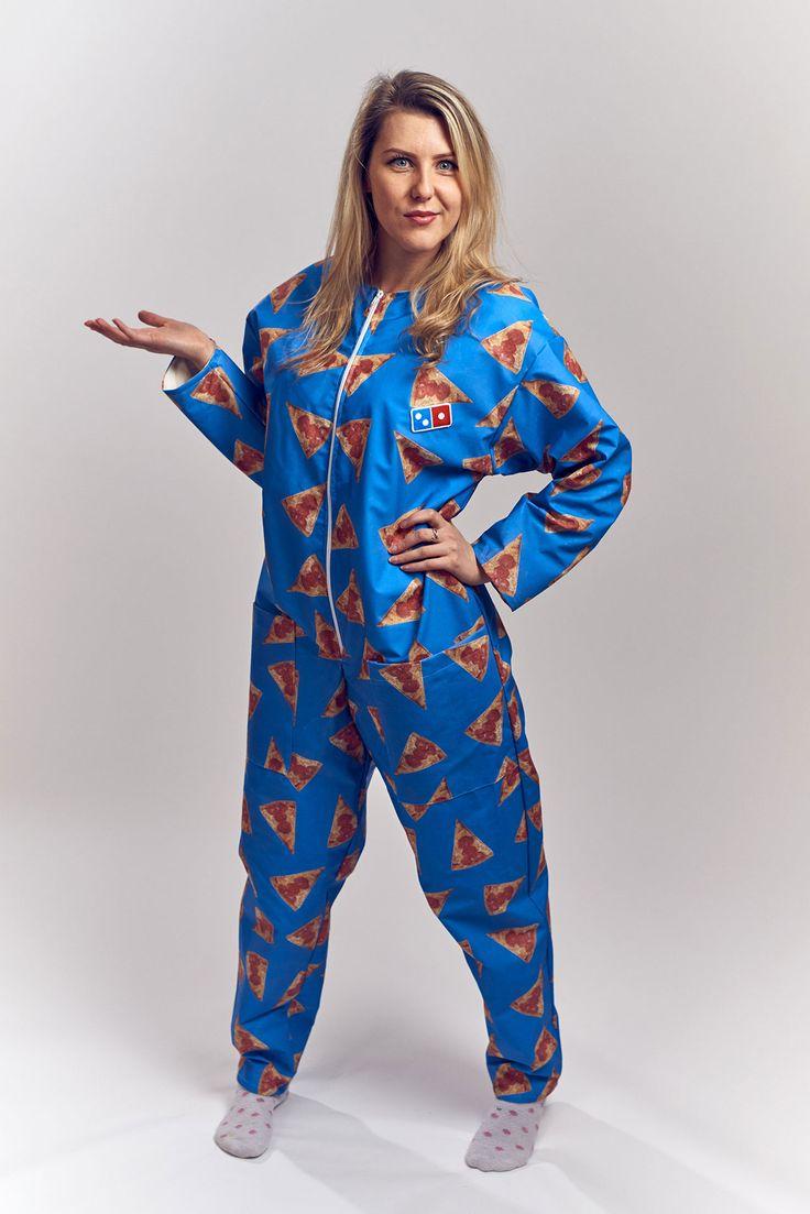 Au Royaume-Uni, Domino's Pizza a lancé une collection de jumpsuits pour manger sans vous soucier des tâches.
