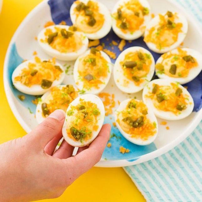 1000+ ideas about Peeling Boiled Eggs on Pinterest | Egg Fast ...