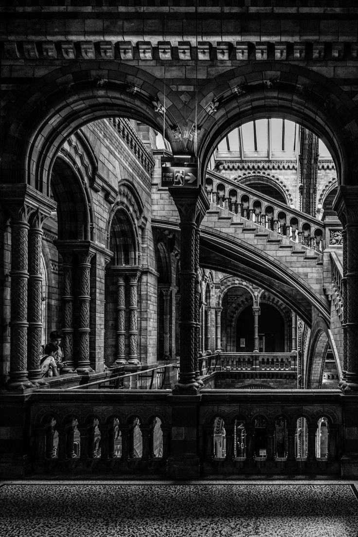 15 best iconic london architecture mainly in black and white