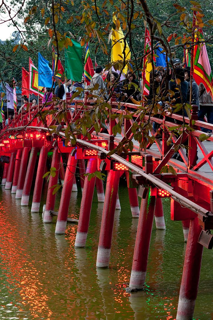 Huc Bridge - Hoan Kiem Lake, Hanoi, Vietnam