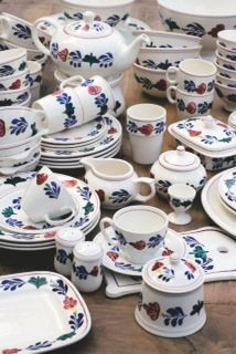 """boerenbont"" ~ crockery set (Typical Dutch Pattern)"