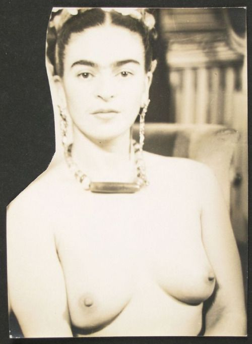 Mexican artist Frida Kahlo nude by her lover Julien Levy 1938 New York