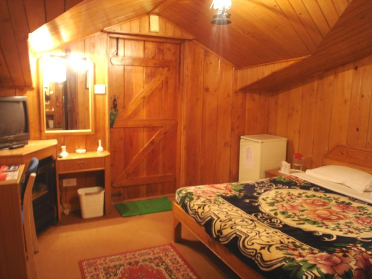 Budget,Cheap and #Luxury Shimla Hotel and Resort. Best Resort & Hotel in #Shimla Situated at an altitude of 9000 feet  in Himalayas surrounded by dense forest and  providing noise and pollution free environment. #Hotels #resorts #kufri #forest #best #snow #rooms See More At - http://bit.ly/1EhIZbI