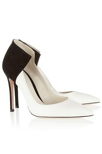 Black and White is such a classic trend. These pumps are to die for!