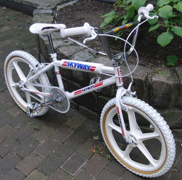 Oh man I had this!!! 1984 Skyway T/A - BMXmuseum.com