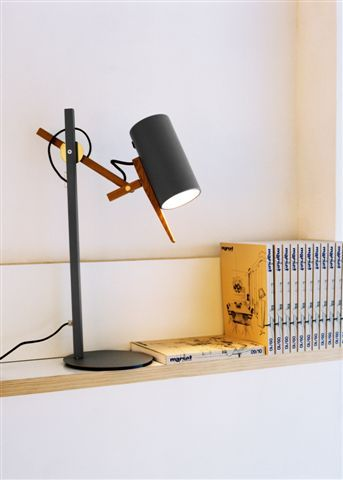 Scantling table lamp by Mathias Hann
