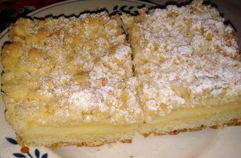 Streuselkuchen mit Pudding gefüllt