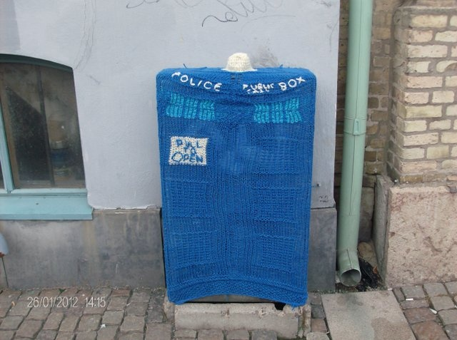 A tardis on the street....: Breien Yarns, Crafts Ideas, Crafty Tardis, Doctors Who, Yarns Bombs, Tardis Yarns, Tardis Yarnbomb, Yarnbomb Bucketlist, Yarnbomb Awesome