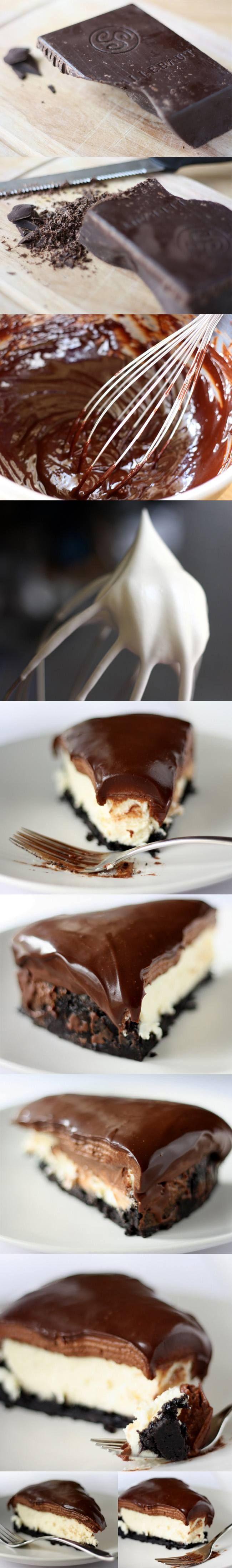 Deliciosa tarta de queso y mousse de chocolate con base de galletas oreo y cobertura de ganache de chocolate negro o con leche