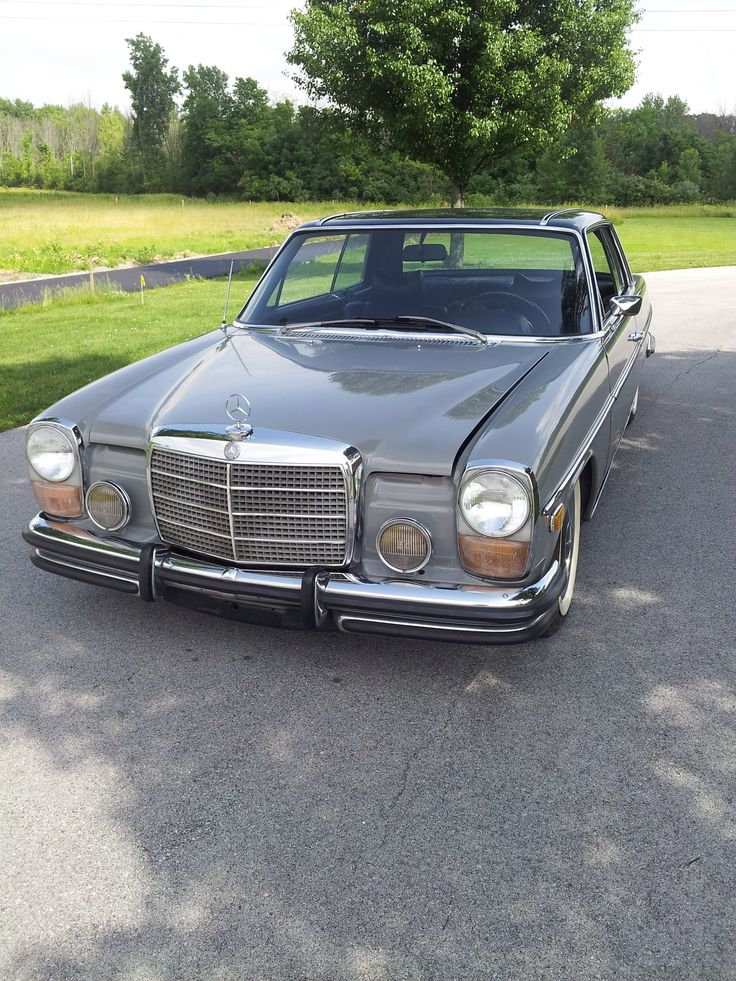 W114 mercedes benz 250c coupe two tone paint job for How to get a job in mercedes benz