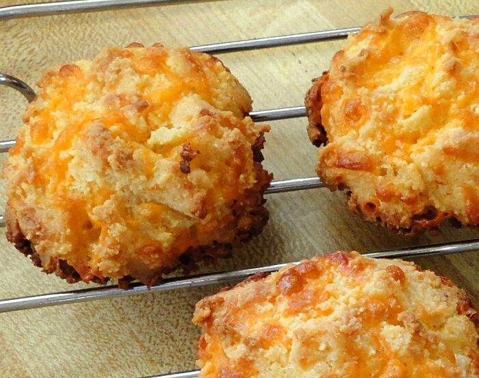 ALMOND CHEESE ROUNDS - They have a crunchy, cheesy biscuit texture that would go very nicely with chili or soup. They also make a nice snack. They remind me somewhat of Red Lobster's Cheddar Bay biscuits but better because they're more cheesy and not as dry. I think if you put a basket of these on the dinner table even non-low carbers would gobble them up. Linda gives these 5 stars.