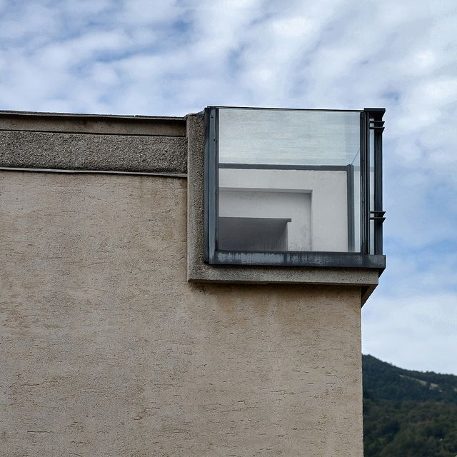 carlo scarpa, architect: gipsoteca del canova, extension of the canova museum in possagno, italy 1955-1957. detail, corner skylight   Flickr - Photo Sharing!