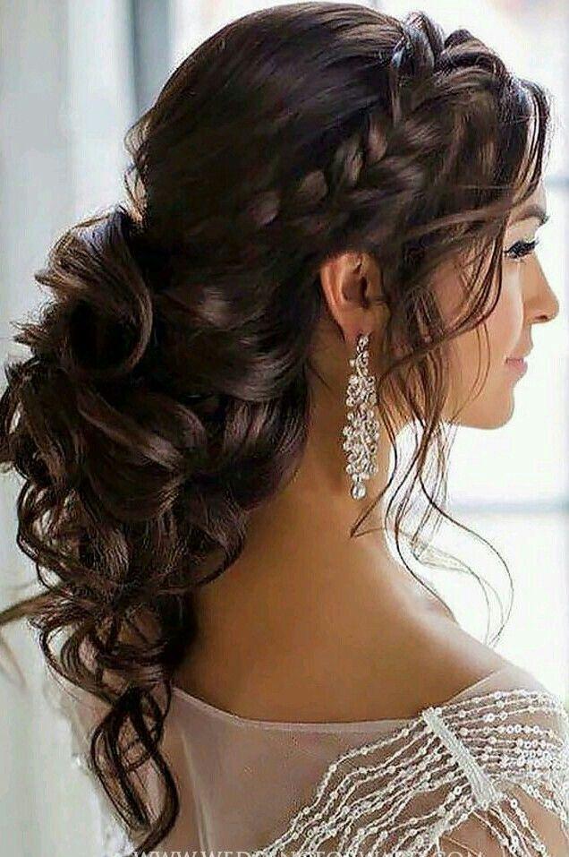 Pretty boho hair, great for a wedding or date night