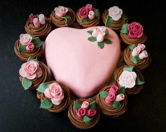 Pink Rose Cake corazón de la magdalena y rosa para el Día de San Valentín