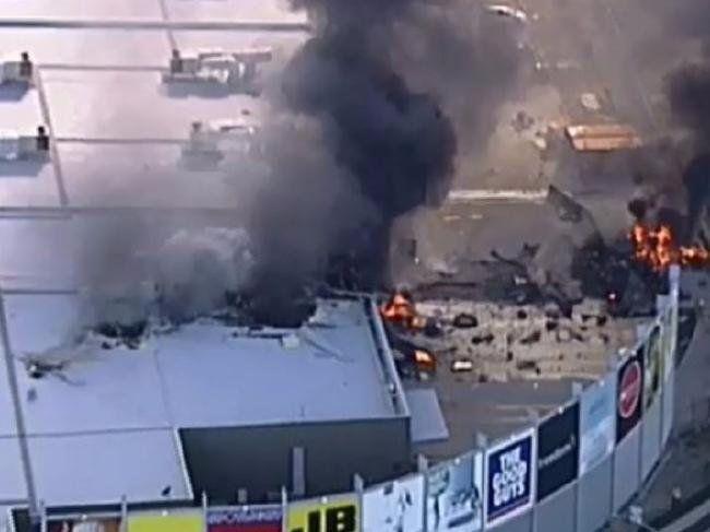 Melbourne Plane Crash: Five Confirmed Dead as Charter Flight Hits Direct Factory Outlets Center   BelleNews.com