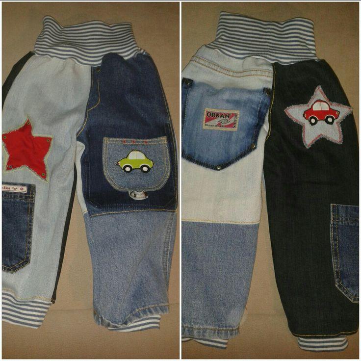 Kinderhose in Größe 86 aus mehreren alten Jeanshosen. Die Auto-Applikationen wurden aus Baumwollstoff ausgeschnitten.