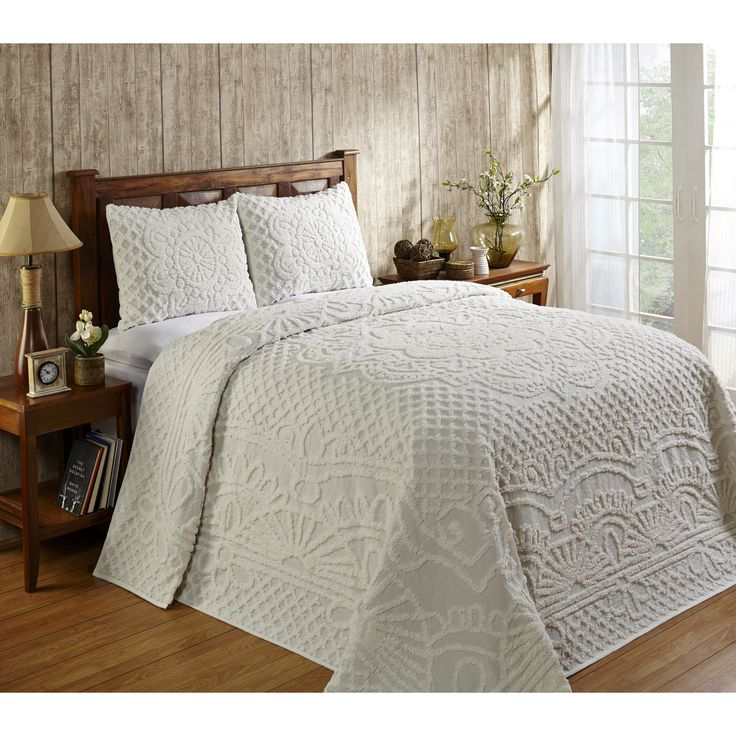Chenille has been a favorite through generations for its plush beauty.��This gorgeous Trevor version is cotton luxury in a center medallion. Reminiscent of old times. Available in a variety of colors. Twin, full, queen, king and sham sizes available.