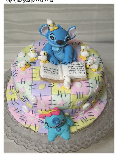 Stitch Cake by Dragonfly Doces, via Flickr