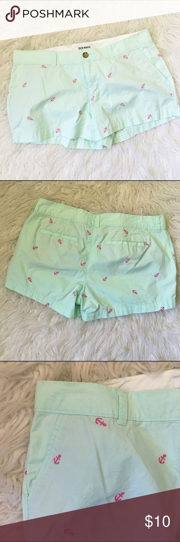 Preppy Anchor Shorts 💛 NO TRADES 💛 💛YES OFFERS ( bundle offers too) 💛 💛 NO LOWBALLS 💛 💛FREE GIFT $25 + 💛 💛CLOSET DISCOUNT 20% OFF 3+💛 Old Navy Shorts