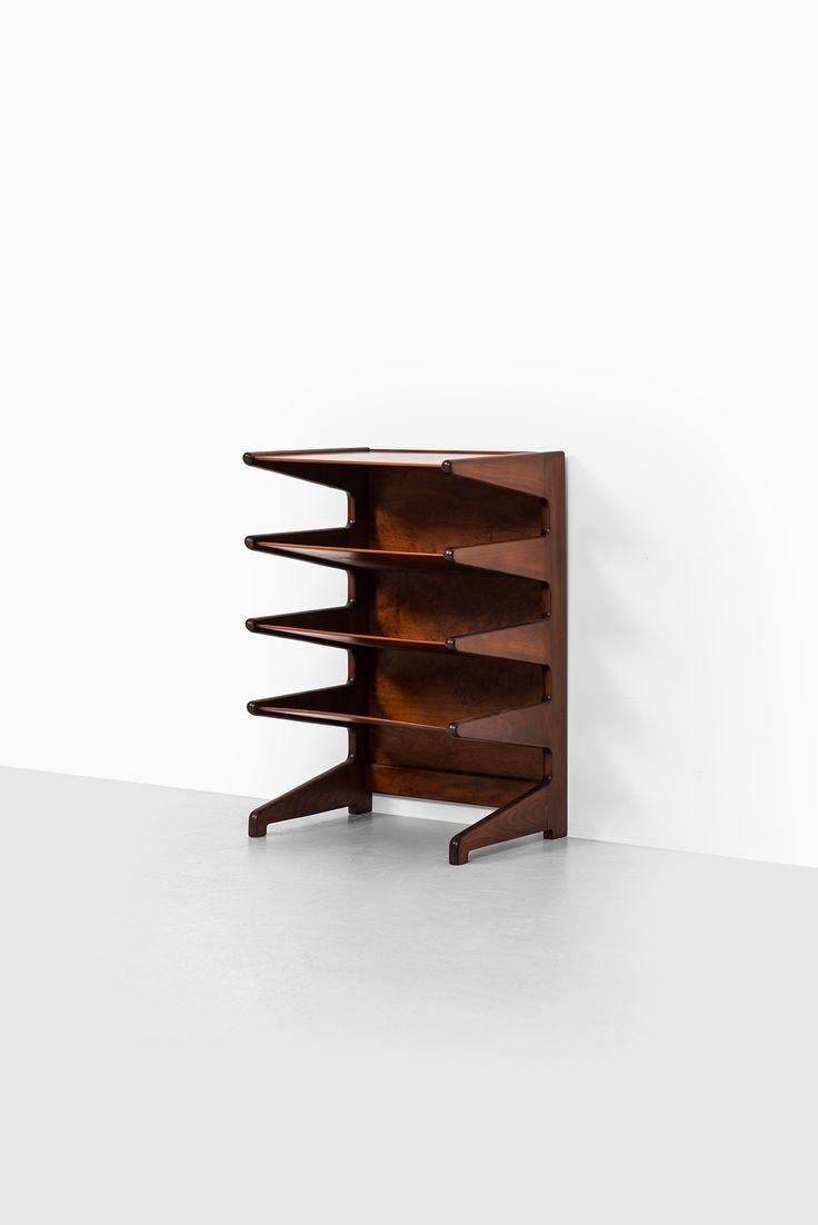 David Rosén magazine rack model Futura at Studio Schalling