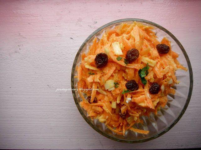 Proste  Potrawy: Surówka z marchewki z rodzynkami