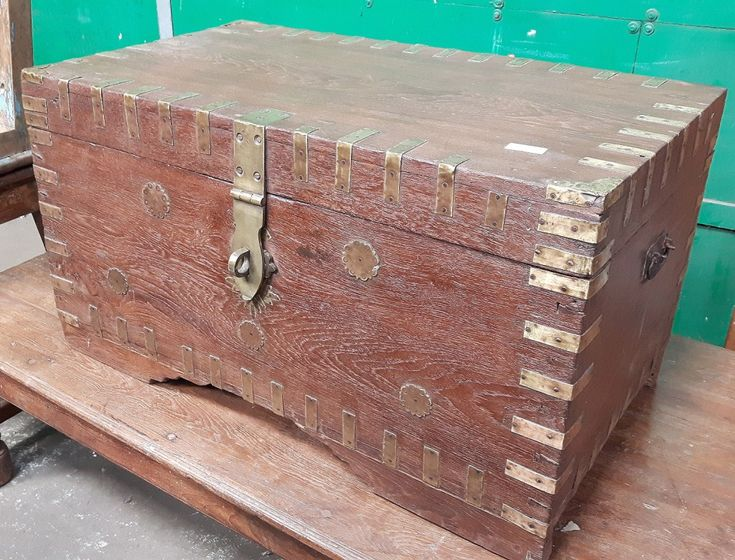 Antique Wooden Chest Restoration By Master Craftsman | http://www.scaramangashop.co.uk/Fashion-and-Furniture-Blog/antique-wooden-chest-restoration/