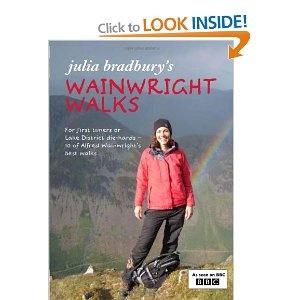 Julia Bradbury's Wainwright Walks: Amazon.co.uk: Julia Bradbury, Derry Brabbs: Books