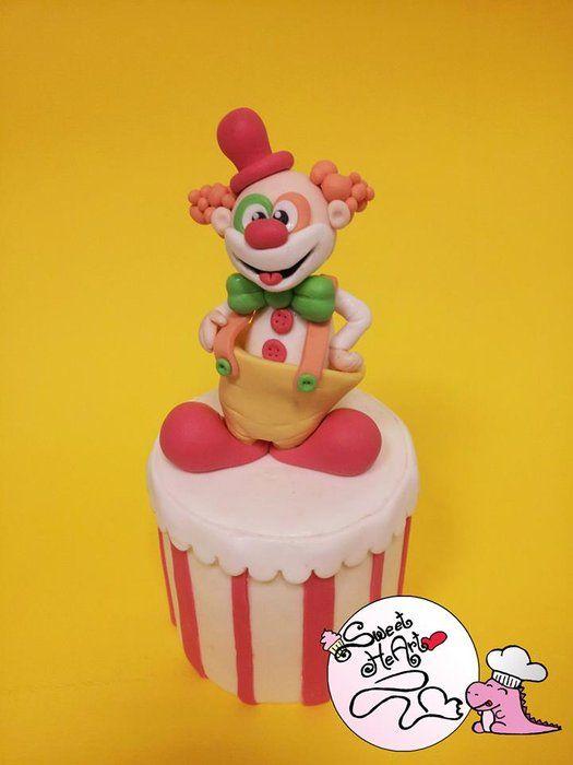 Clown cake - by Sweet HeArt @ CakesDecor.com - cake decorating website