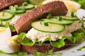 Znalezione obrazy dla zapytania zdrowe kanapki na śniadanie