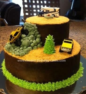 Homemade Rock Crawling Cake: My dad is into rock crawling and four wheeling and builds all kinds of off road vehicles. So I made this Rock Crawling Cake for his birthday.   I did the