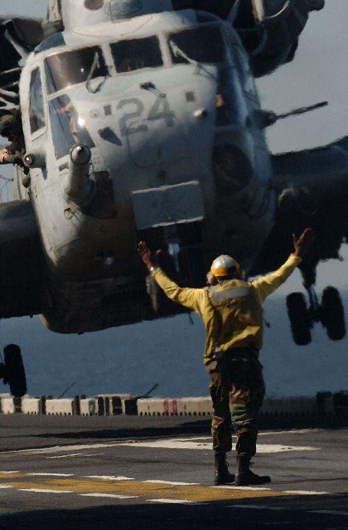 CH-53E Super Stallion ...