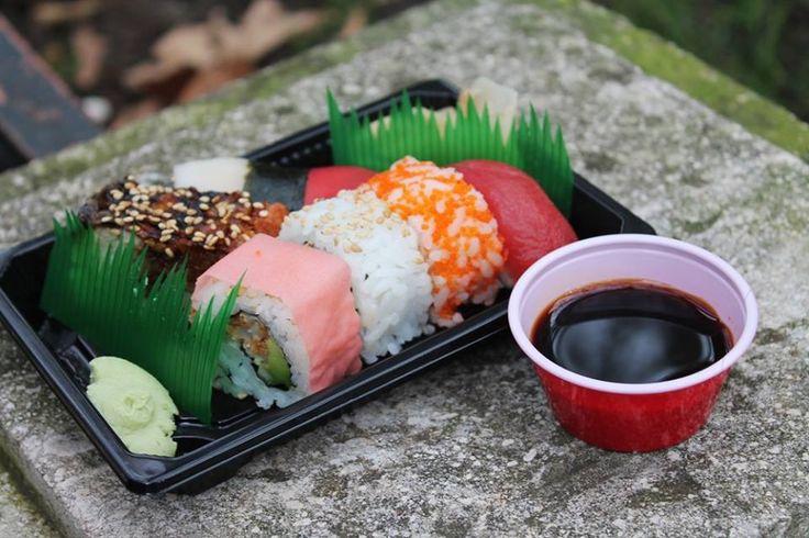 MERY SUSHI Móstoles  MERY SUSHI es un nuevo restaurante de comida japonesa y especializada en Sushi. Situado en Móstoles. Con reparto a domicilio y recogida en local.  C/ MALASAÑA 4 PLANTA BAJA  Tfnos: 916645091 y 619572598  http://www.merysushimostoles.com/