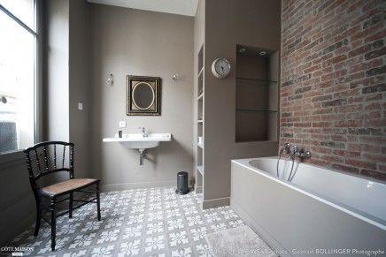 Badkamer ontwerp met een bakstenen muur   Inrichting-huis.com
