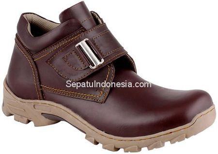 Sepatu pria JHR 3204 adalah sepatu pria yang nyaman dan elegan....