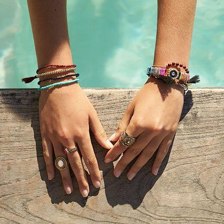ringen naast zwembad