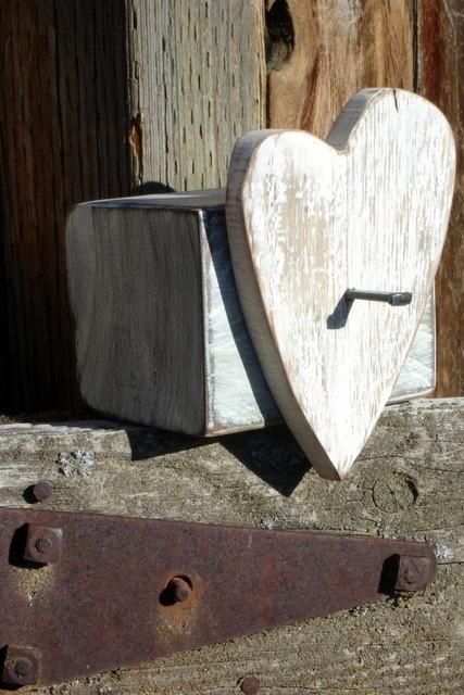 Rustic Reclaimed Wood Chunky White Heart Hanger