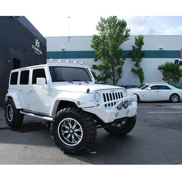 Jeep; another white jeep done right.