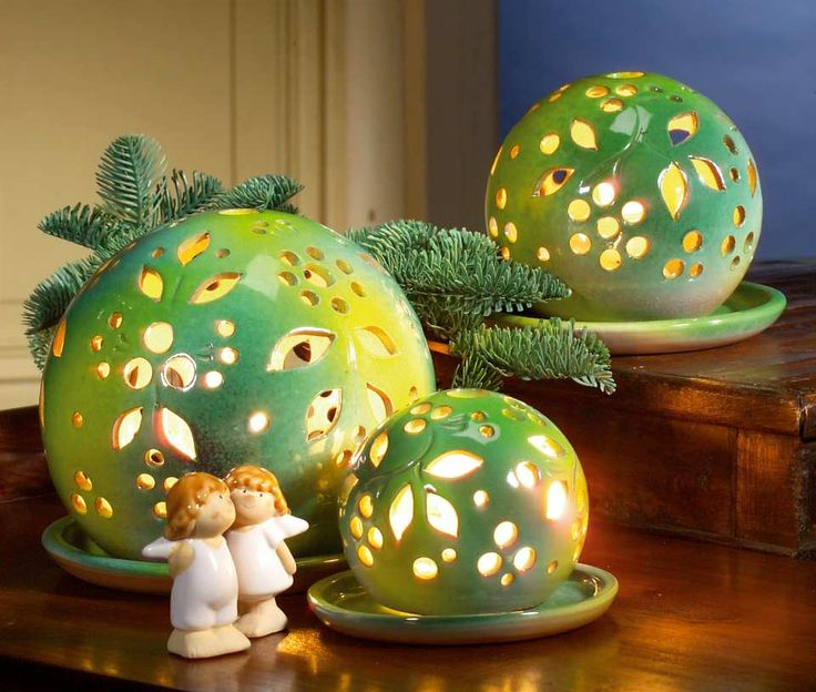 Lichtkugeln, lichtgrün - Stimmungsvolle Lichtkugeln als eindrucksvolle Dekoration.