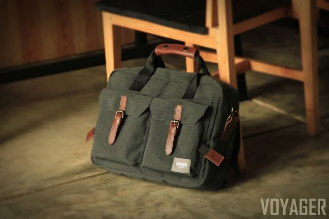"VOYAGER:    Heyho Voyager,  Our ""Vintage Luck"" messenger ba..."