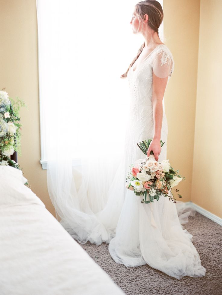 Photography: Orange Photographie - orangephotographie.com  Read More: http://www.stylemepretty.com/northwest-weddings/2014/03/28/montana-bridal-shoot-inspiration/