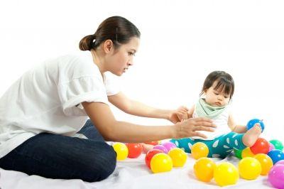 Cómo hacer que los niños recojan sus juguetes - https://plazatoy.com/blog/como-hacer-que-los-ninos-recojan-sus-juguetes/