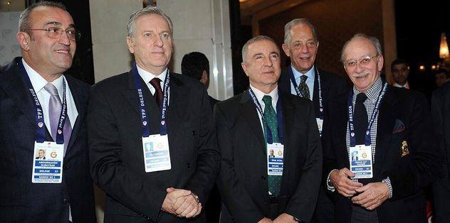 Başkanlar derbi maça akın ediyor