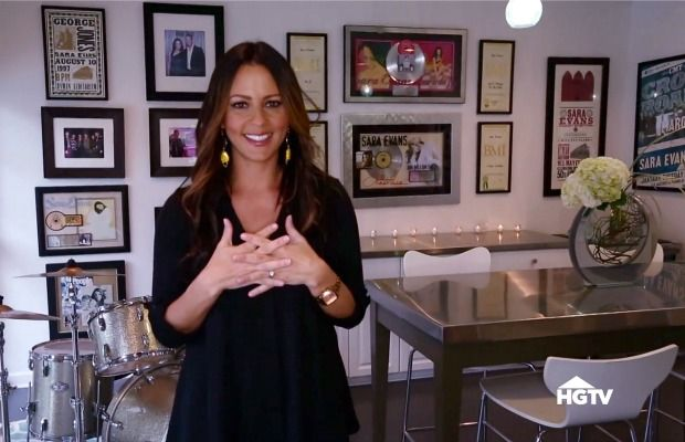 Tour Country Star Sara Evans' Colorful, Comfy Home