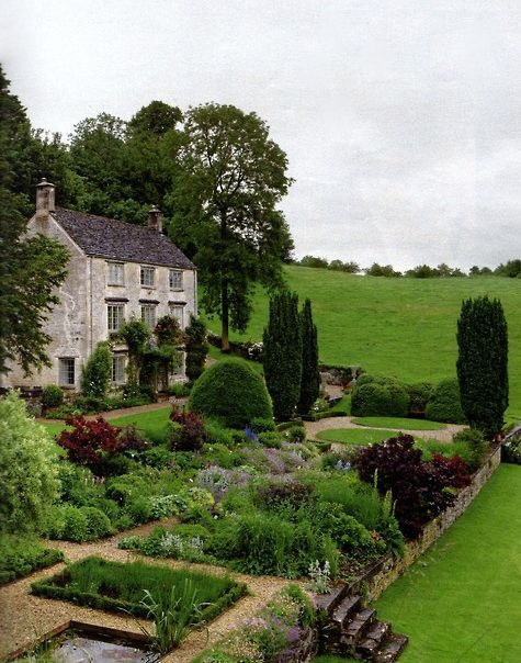 """""""200-year-old house, built from Cotswold limestone, sits in a valley in Gloucestershire on a site that has been occupied since the 15th century.""""  ---When I read a Jane Austen novel I always have the desire to do something like this---but really do you know what it takes to renovate a 200 year old house?---Fantasizing is so much easier ...JT--https://www.pinterest.com/jthomasson0281/inspiring-houses/"""