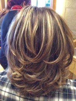 22 Süße geschichtete Frisuren für mittleres Haar #CuteMediumHairstyles #LayeredHairstyles #ReadyToMeal #WomenMediumHairstyles