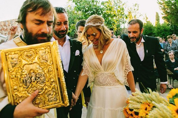 The Greek wedding dance that symbolizes the eternity of marriage. Just like a circle, marriage does not have a beginning and an end. http://www.love4wed.com/boho-chic-wedding/