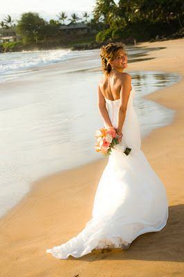 Makena Beach Wedding in Maui. Need some help planning your exotic tropical get away? Killer Maui Wedding photography, flawless Maui Wedding Planners:  http://www.marrymemaui.com